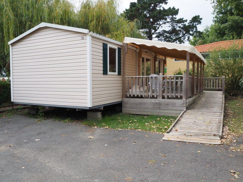 Location - Mobil-Home Helios Accessible Aux Personnes À Mobilité Réduite - Chadotel Camping La Trevillière