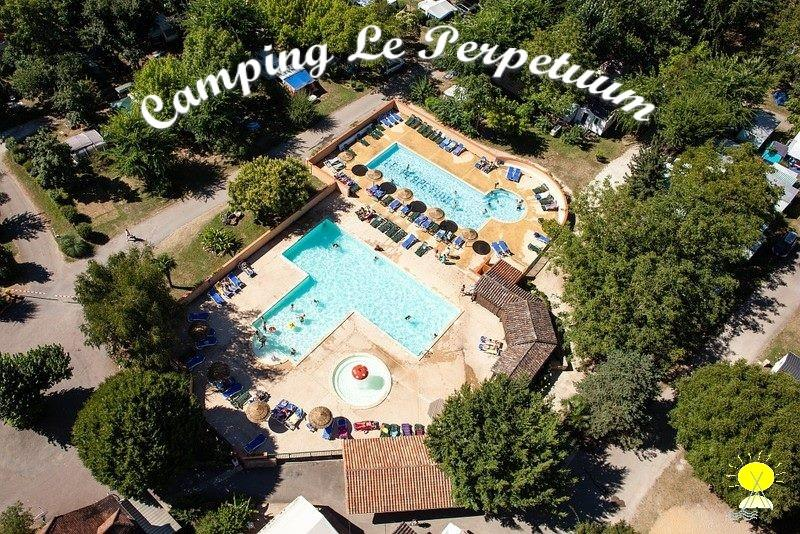 Camping le Perpetuum, Domme, Dordogne