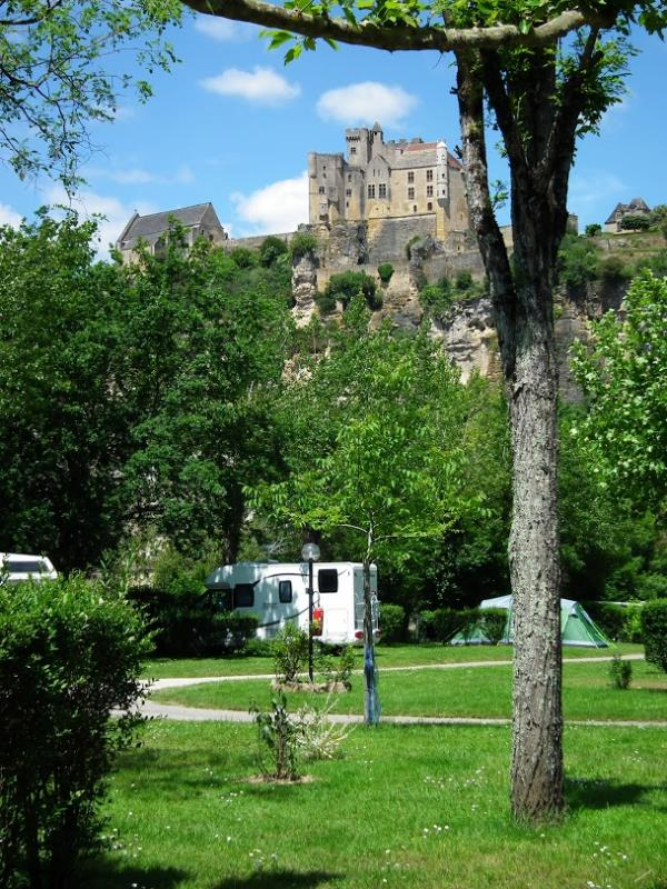 Emplacement - Emplacement Grand Confort - Camping Le Capeyrou