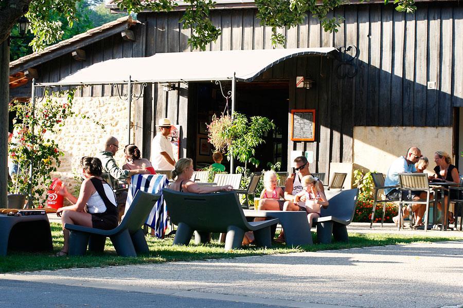 Camping Le Port De Limeuil