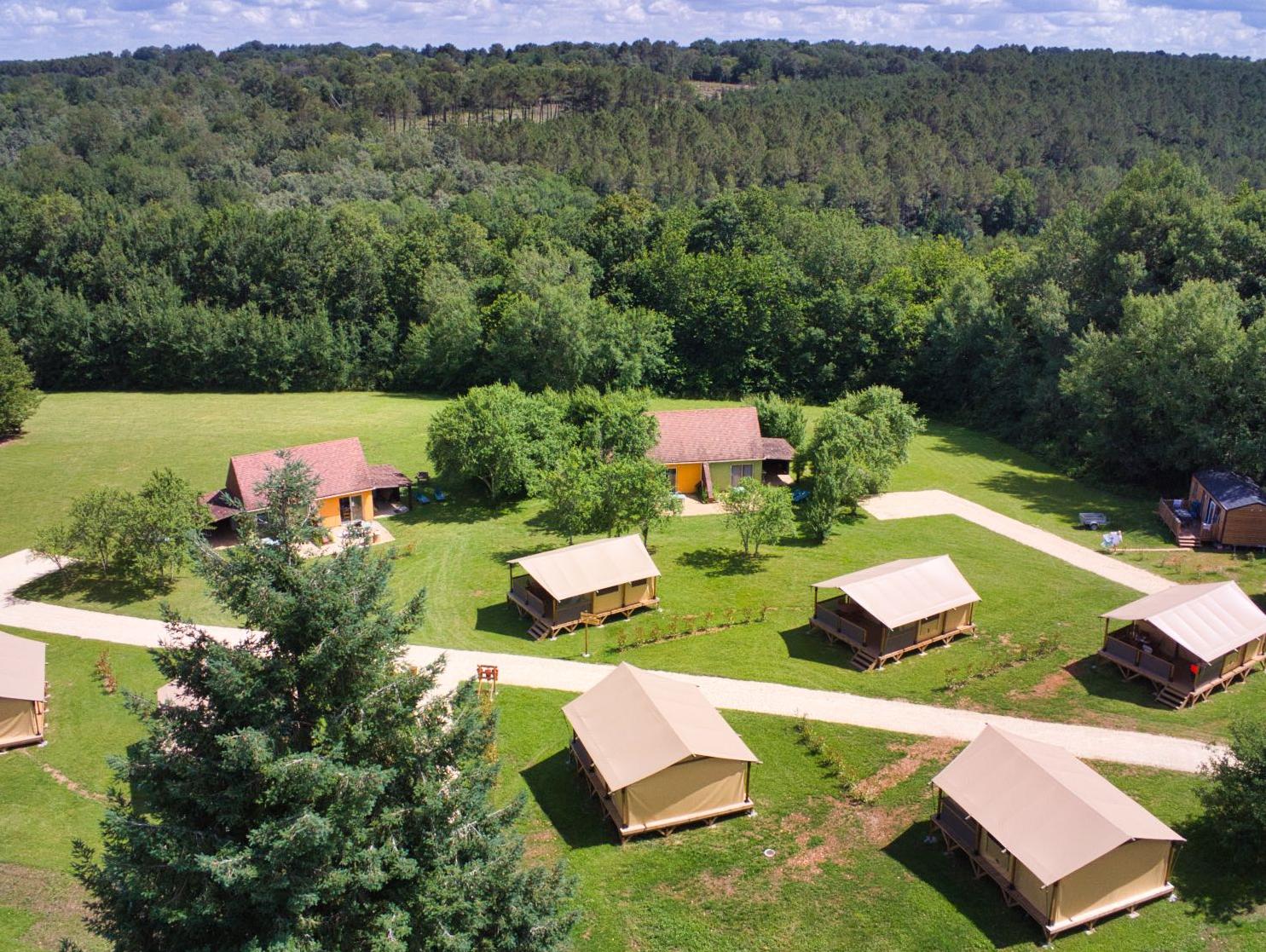 Camping le Domaine du Bois Coquet, La Douze, Dordogne
