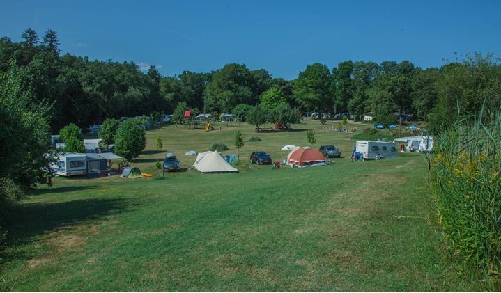 Camping Lestaubiere, Douville, Dordogne