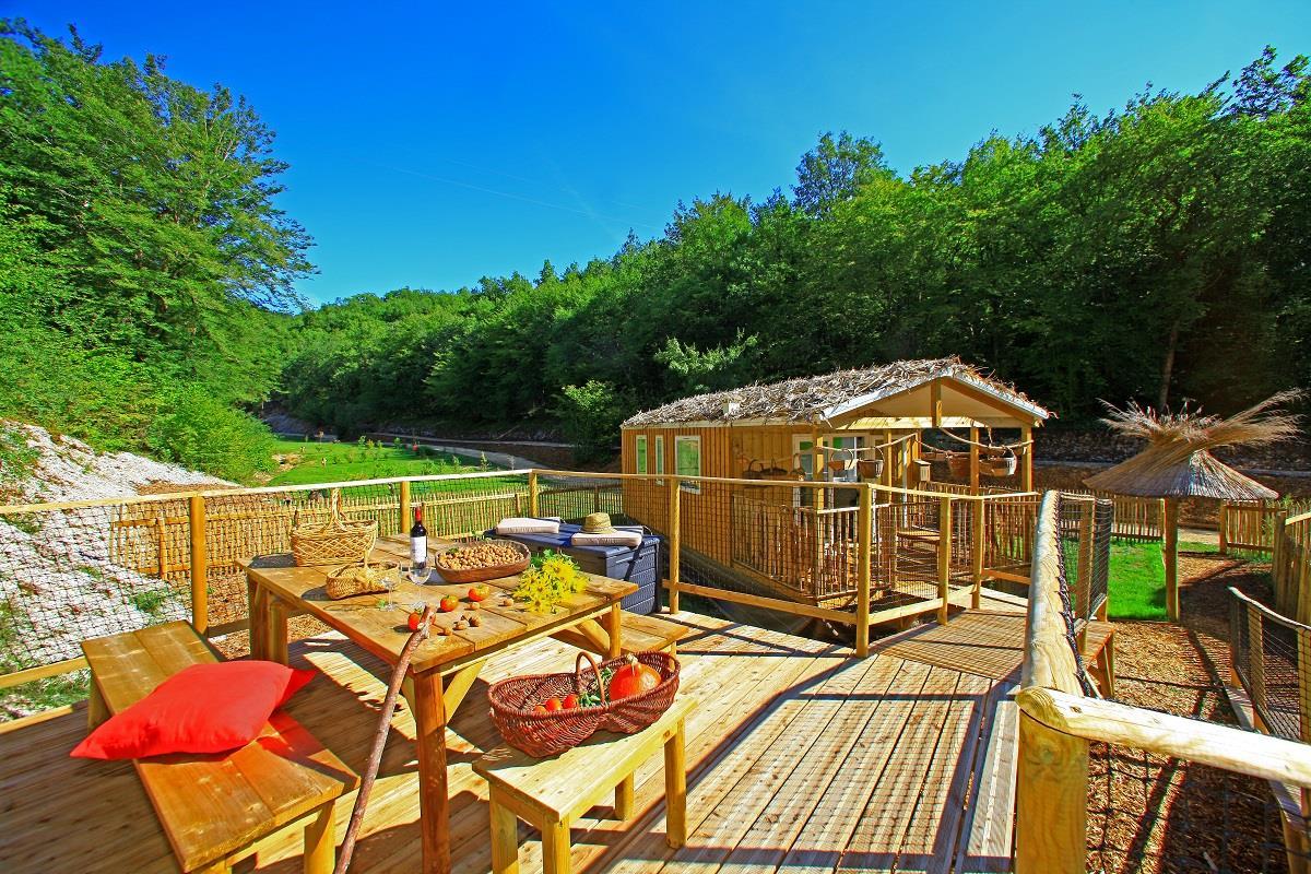 Camping Perigord Vacances, Saint-Amand-de-Coly, Dordogne