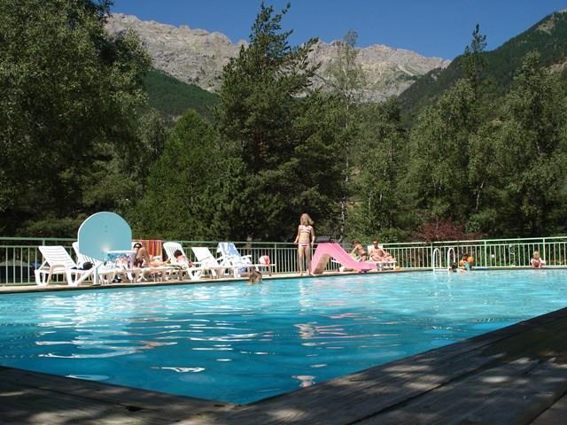 Camping l'Iscle de Prelles, Saint-Martin-de-Queyrières, Hautes-Alpes