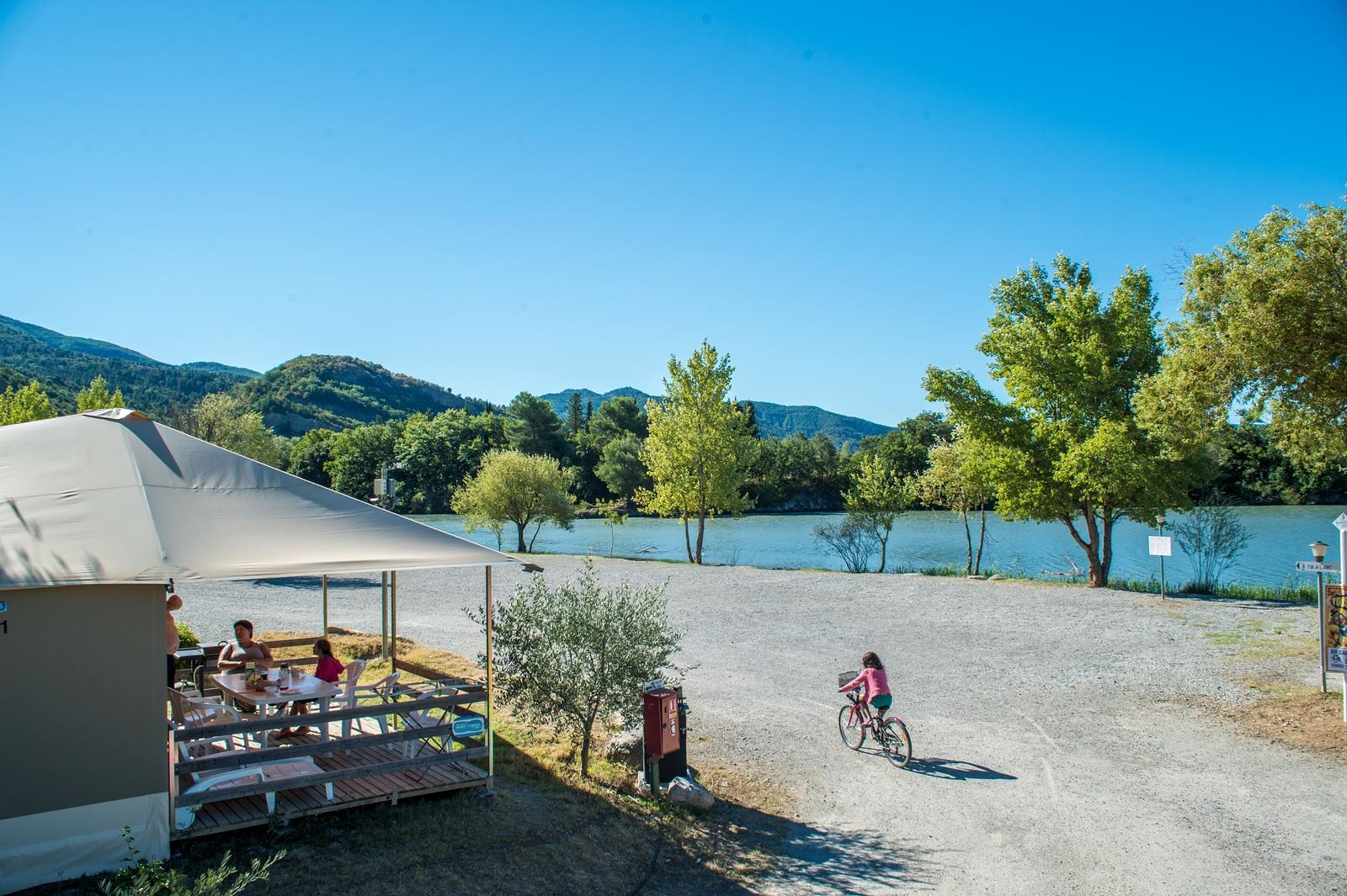 Camping Sunêlia l'Hippocampe, Volonne, Alpes-de-Haute-Provence