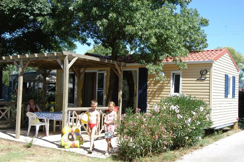 MOBIL-HOME COSY 4/6 (non climatisé) : 2 Chambres