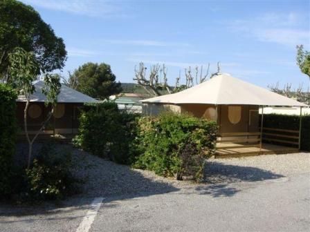 Location - Tente Meublée ** 2 Chambres + 1 Salle De Bain / 20M² - Yelloh! Village Les Tropiques