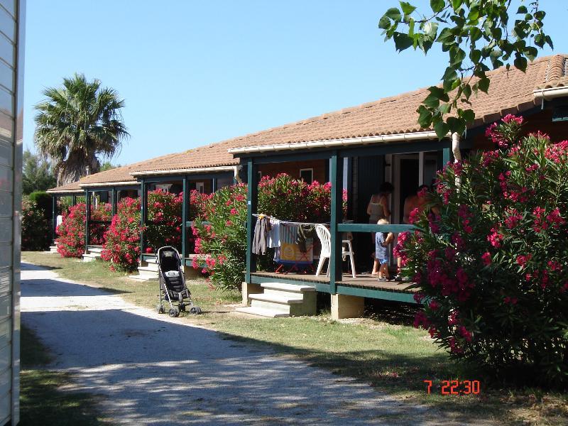 Location - Chalet ** 2 Chambres + 1 Salle De Bain / 25 M² - Yelloh! Village Les Tropiques