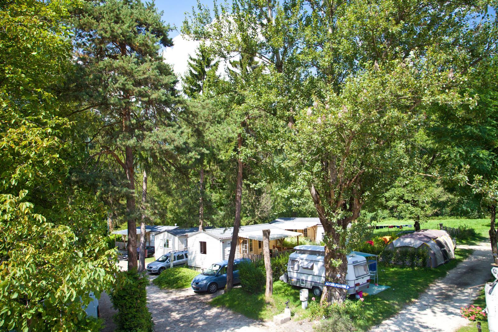 FORFAIT GRAND CONFORT (Emplacement voiture + tente/caravane ou camping-car, electricité  10A + eau)