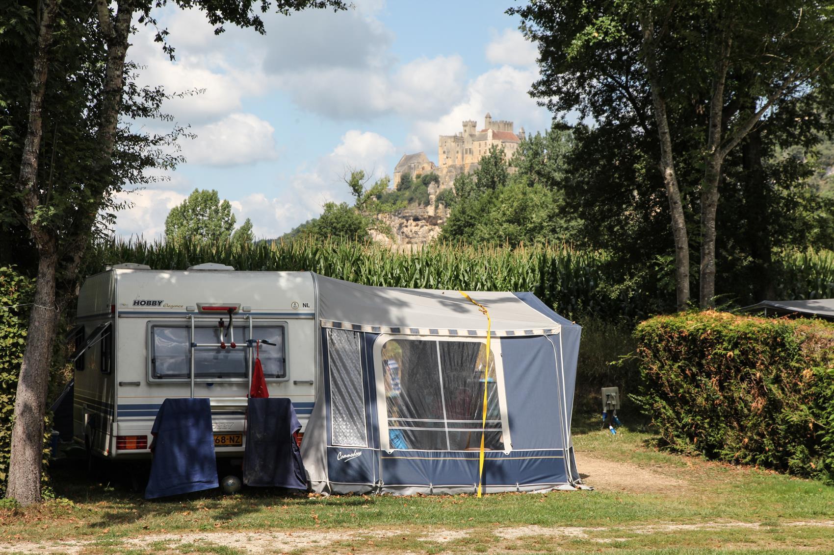 Emplacement - Emplacement L >=100M²-109M² Tente Ou 1 Caravane Ou 1 Camping-Car - Camping Les Deux Vallées