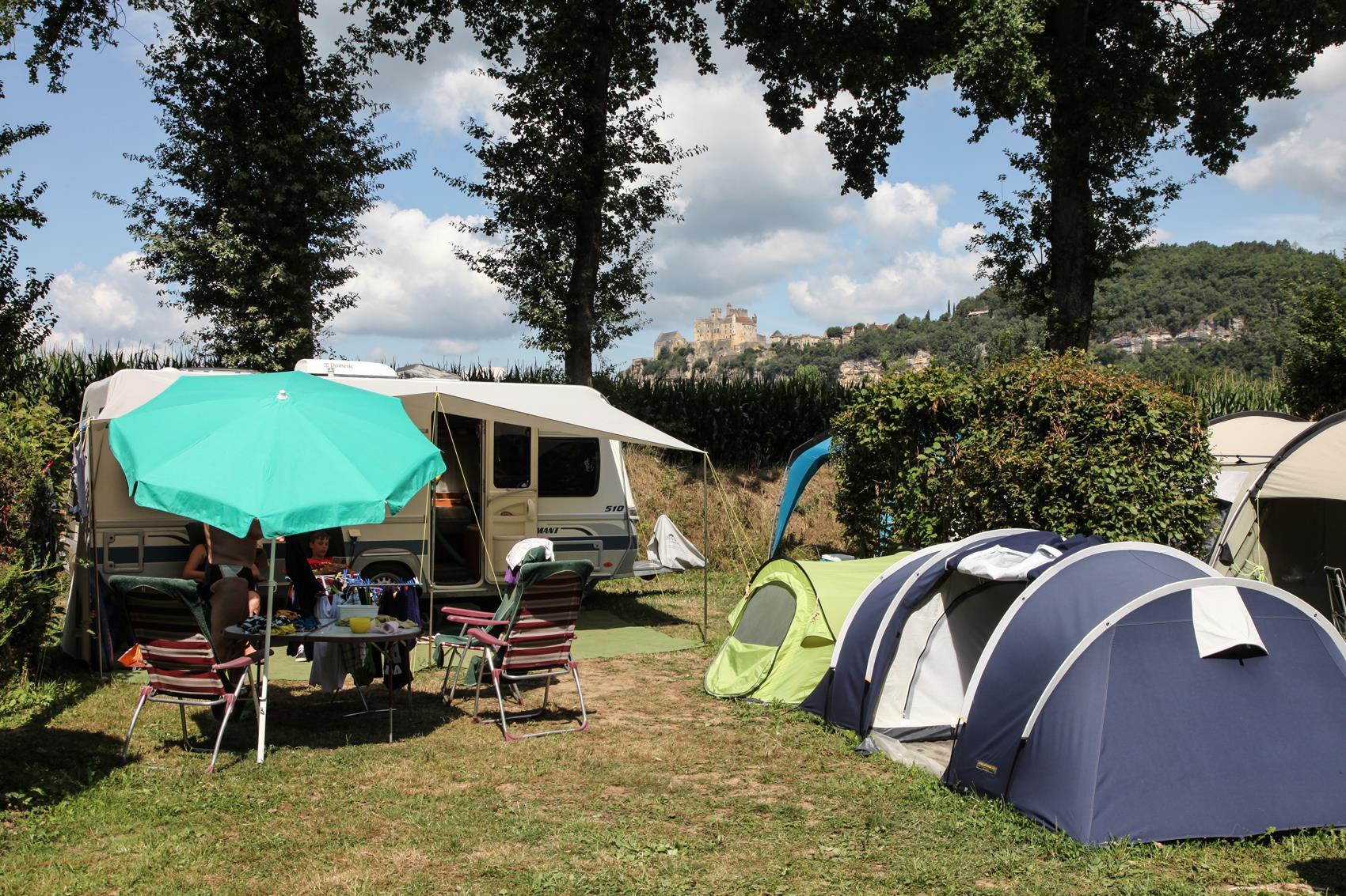 Emplacement - Emplacement Xl >=110M² Tente Ou 1 Caravane Ou 1 Camping-Car - Camping Les Deux Vallées