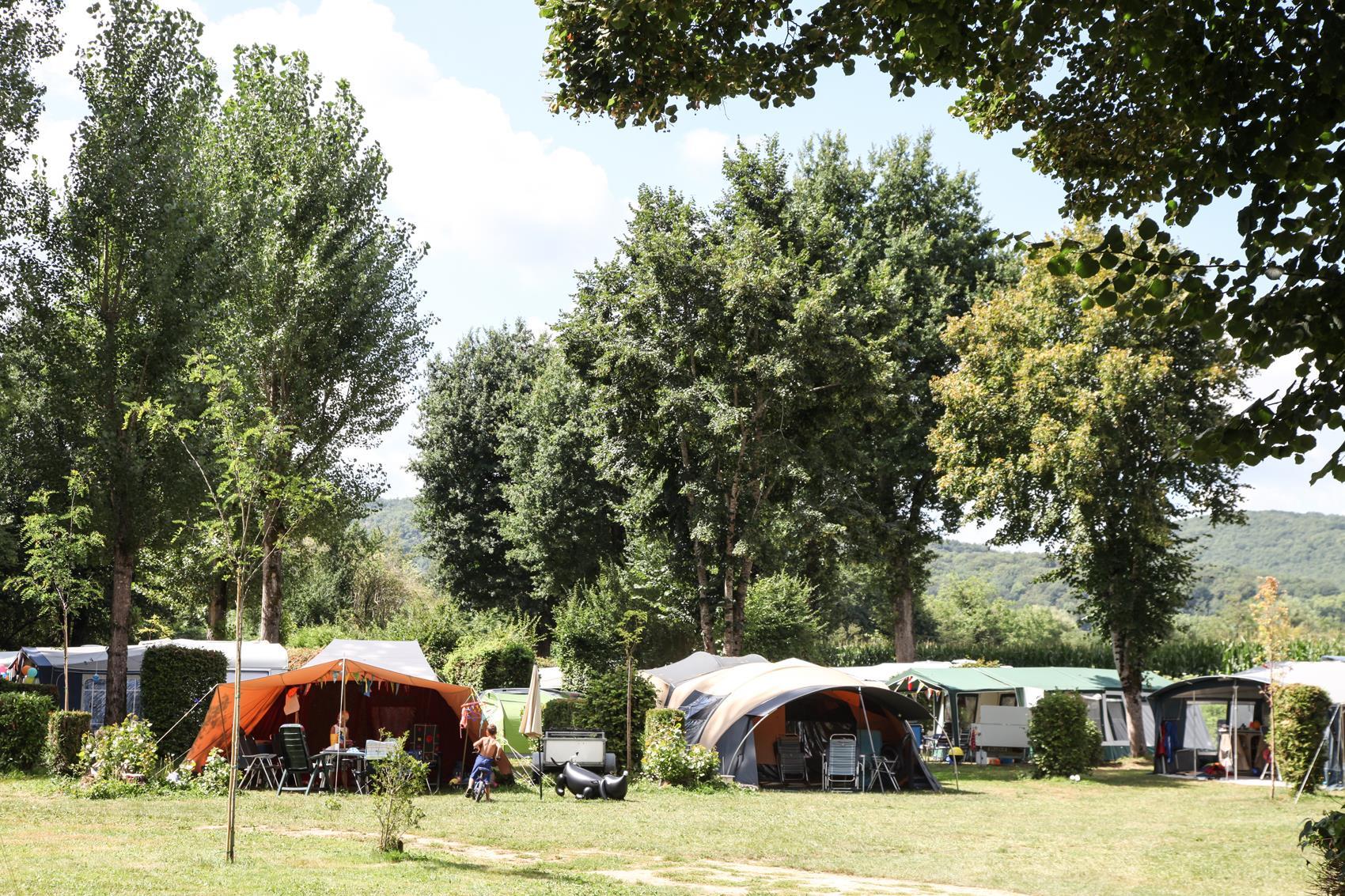 Emplacement - Emplacement Tente Ou 1 Caravane Ou 1 Camping-Car - Camping Les Deux Vallées