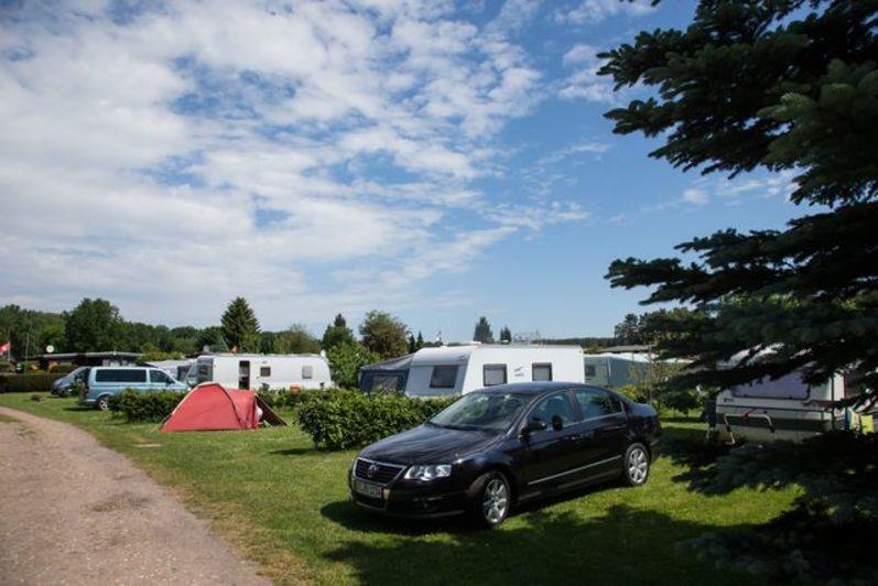 Emplacement - Emplacement Confort Nr.1-10 (Incl. Eau, Évacuation, Excl. Éléctricité ) - Camping Zum Oertzewinkel