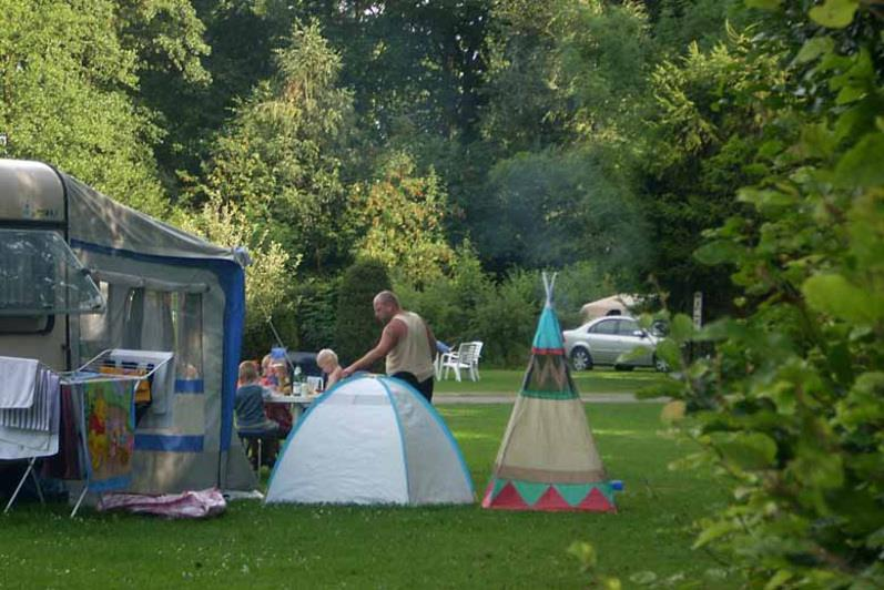 Emplacement - Emplacement Caravane Et Voiture - Camping Zum Oertzewinkel