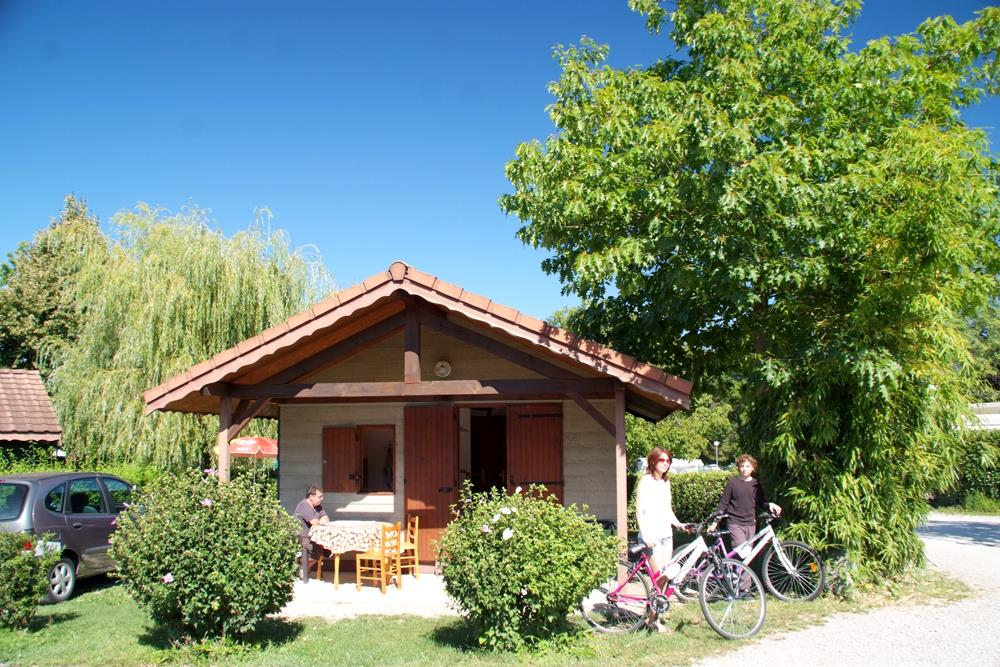 Location - Chalet 32 M²  2 Chambres +  Terrasse Couverte - Camping du Chatelet