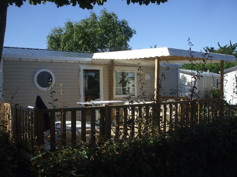 Location - Mobil-Home Confort + 27M² (2 Chambre) Adapté Aux Personnes À Mobilité Réduite +Tv - Camping Les Ilates