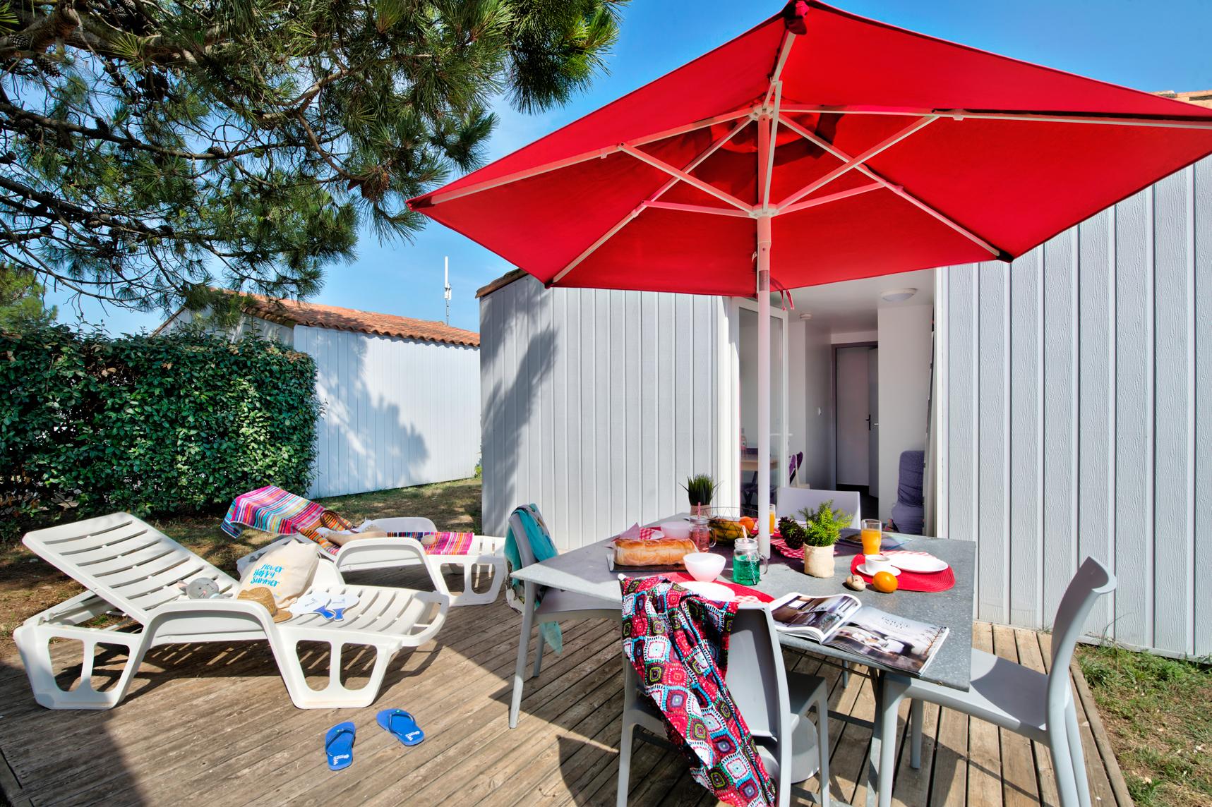 Maisonnette CONFORT  31m² (2 chambres) adaptée aux personnes à mobilité réduite + TV + terrasse