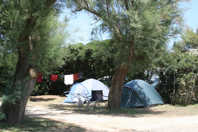 Emplacement - Emplacement, 1 Voiture, Tente, Caravane Ou Camping-Car - Camping Tonnara