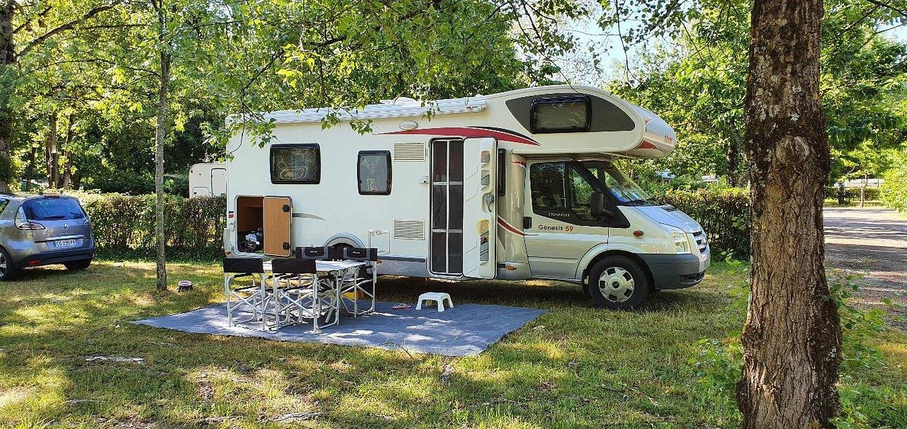 Camping les 3 Lacs du Soleil, Trept, Isère