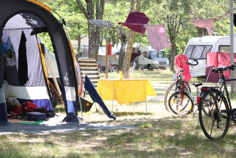 Pitch - Comfort Camping Pitch - Huttopia le Moulin