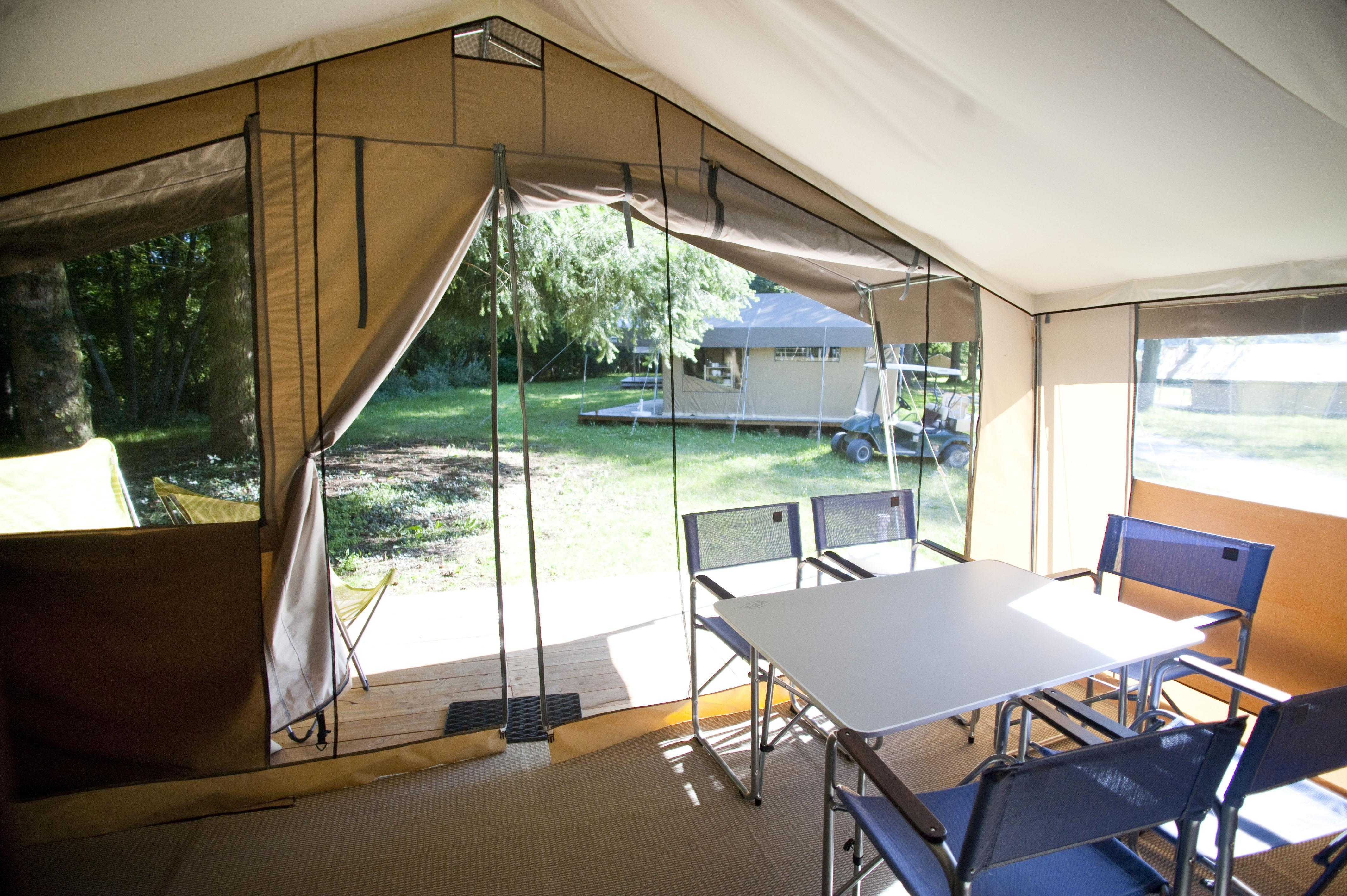 Accommodation - Sweet Wood & Canvas Tent - Huttopia le Moulin