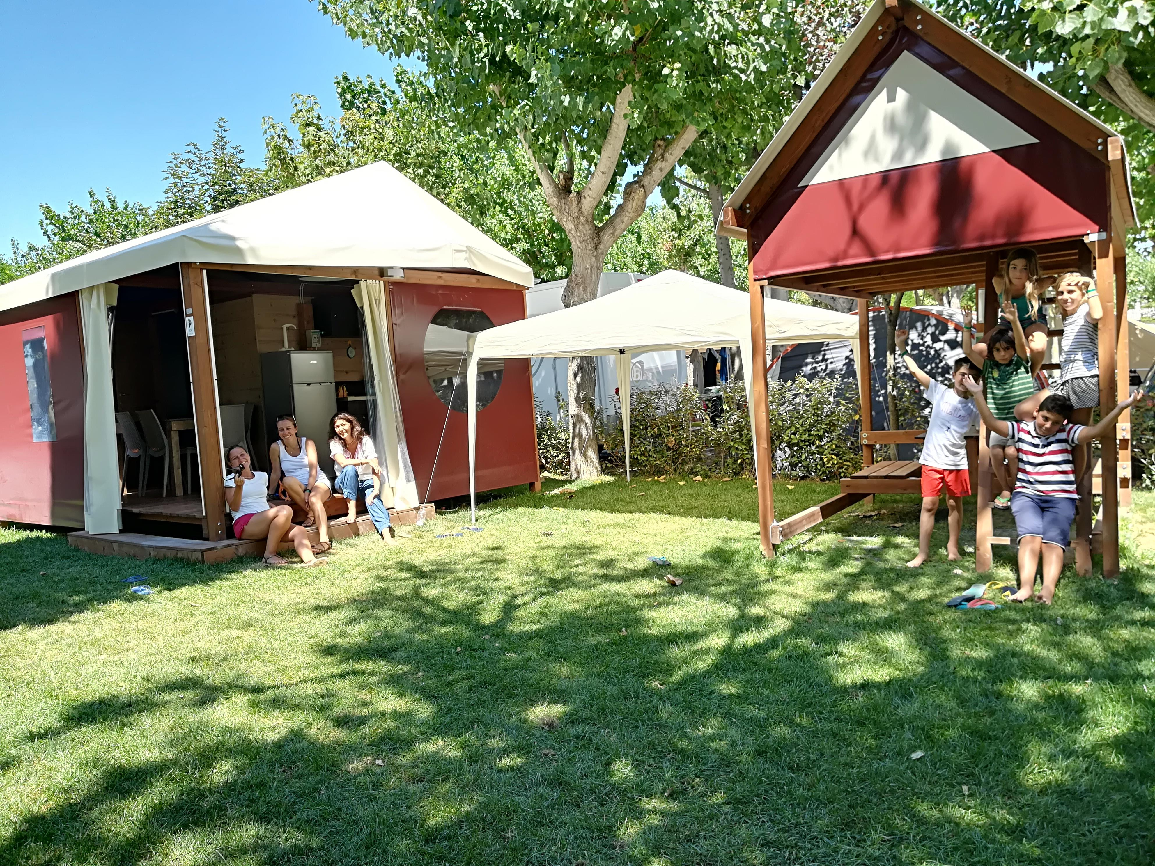 Location - Mini Lodge Lagrein Plus, Jardin Privé - Camping Village Eurcamping