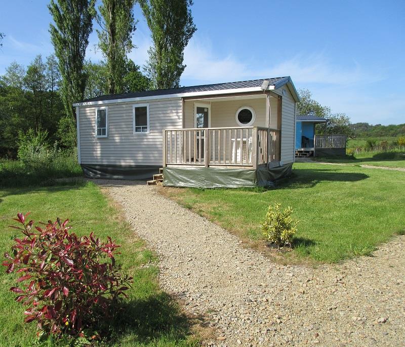 Location - Mobil-Home Superieur + Terrasse Intégrée Semi-Couverte  27M² / 2 Chambres (2014) + Tv - Camping de Mesqueau