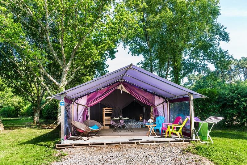 Location - Bungalow Toilé  37M² / 2 Chambres + Terrasse Couverte - Sans Sanitaires (2013) - Camping de Mesqueau