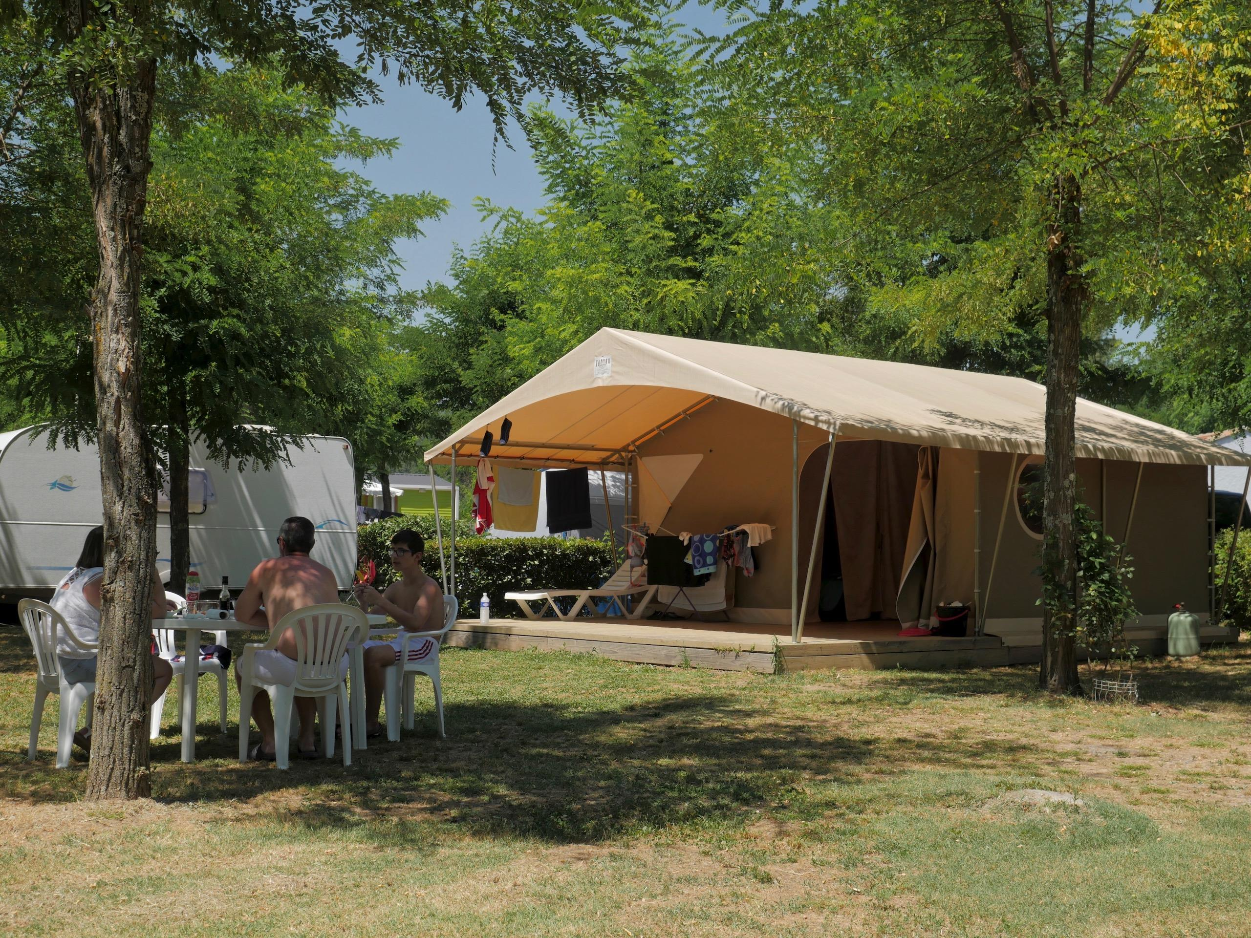 Accommodation - Tent Lodge Family - 2 Bedrooms - Camping Acacias