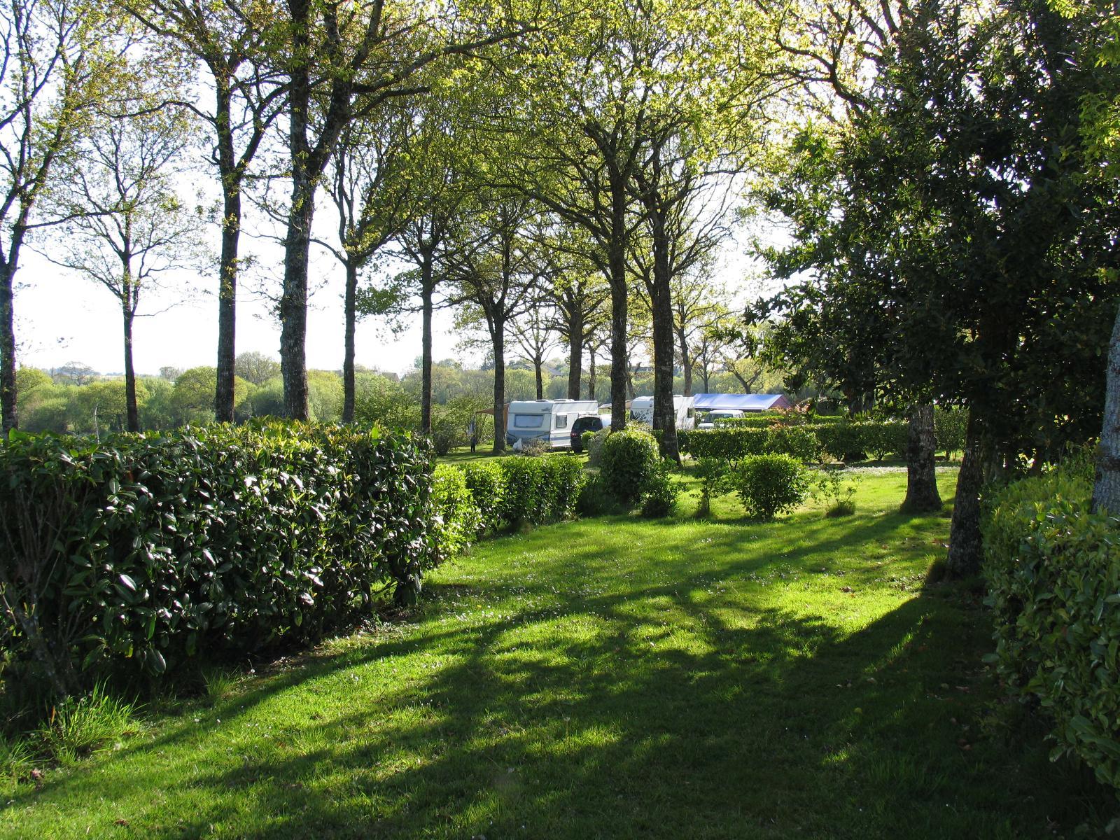 Emplacement - Forfait ** 100M² - Yelloh! Village Camping de la Baie de Douarnenez