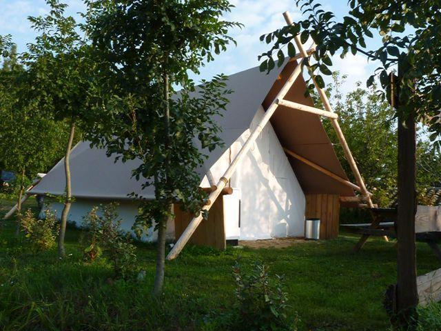 Accommodation - Equipped Tent - FERME DE SIMONDON : Camping & Gîtes & Chambres d'Hôtes