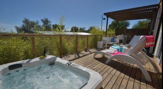 Location - Cottage Loft Malibu Premium (Climatisé) - 2 Chambres - Jacuzzi - Domaine du Colombier