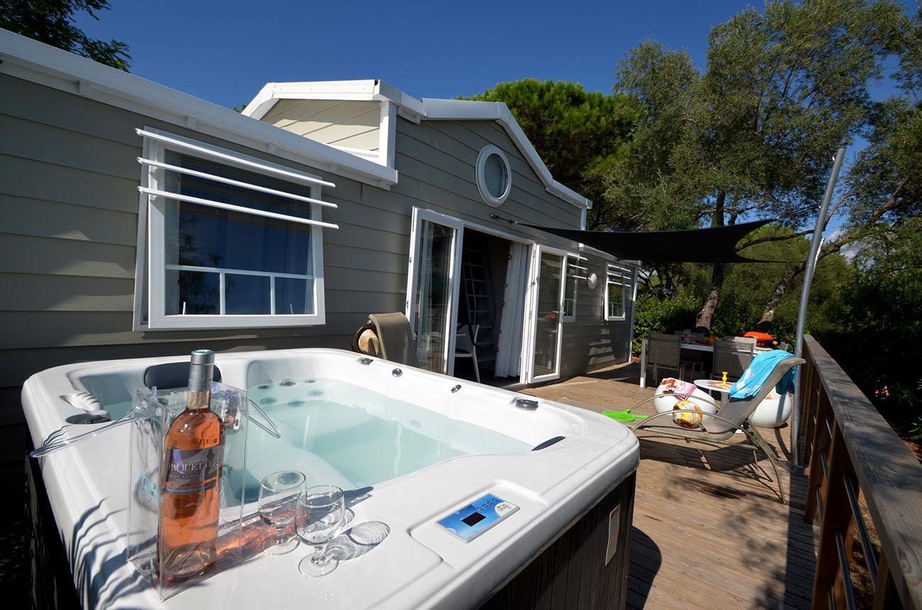 Location - Cottage Duplex **** (Climatisé) - 3 Chambres + Mezzanine, 2 Salles De Bain + Jacuzzi Individuel - Domaine du Colombier