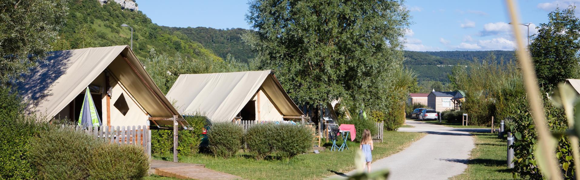 Camping la Roche d'Ully, Ornans, Doubs