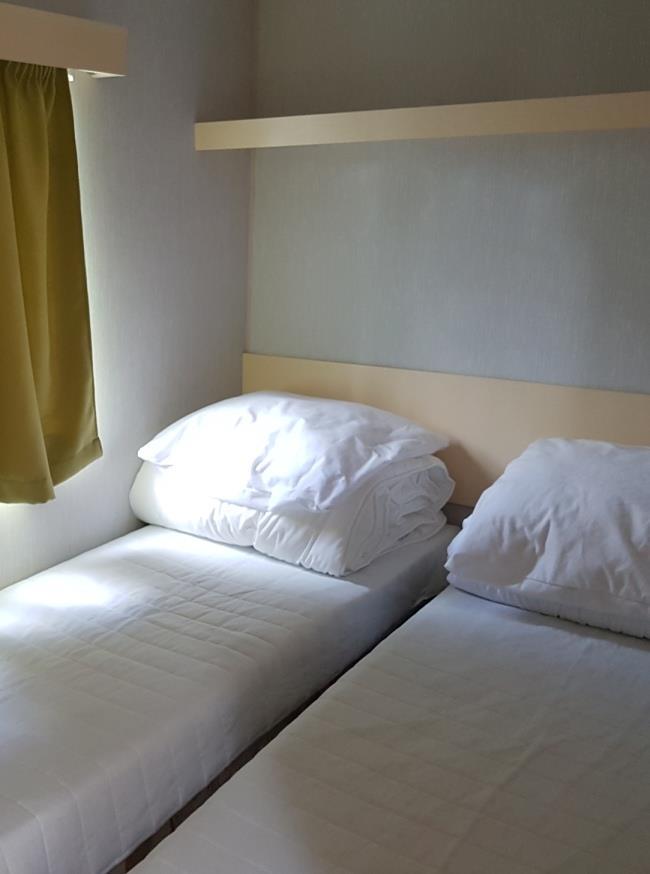 Location - Mobil Home 2 Chambres Girard - Camping Des Lacs