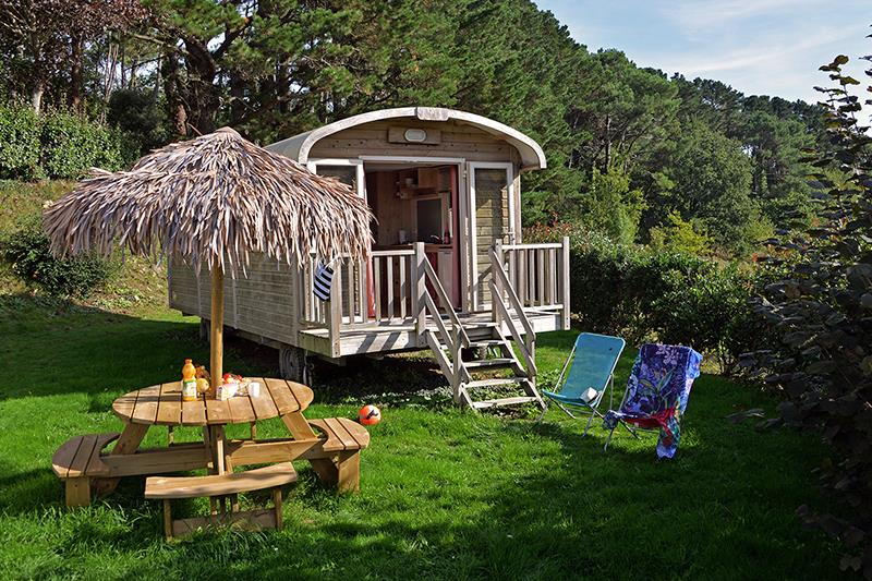 Location - Roulotte 4 Pers. 2 Chambres Insolite - Camping Mané Guernehué
