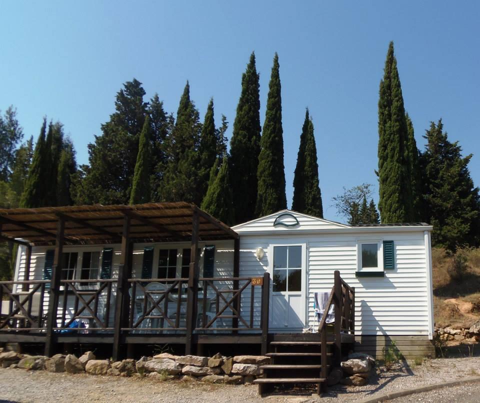 Location - Premium - Camping Sites et Paysages La Pinède