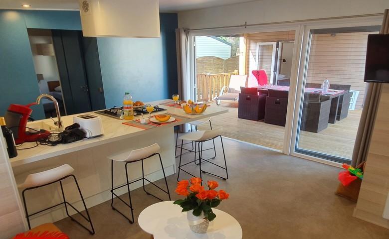 Location - Mobil Home Ciela Prestige Tribu - 54M² - 1 Suite Parentale- 3 Chambres/ 3 Salles De Bain - Climatisation Réversible, Tv Et Lave Vaisselle - Draps Inclus - Camping Resort La Rive