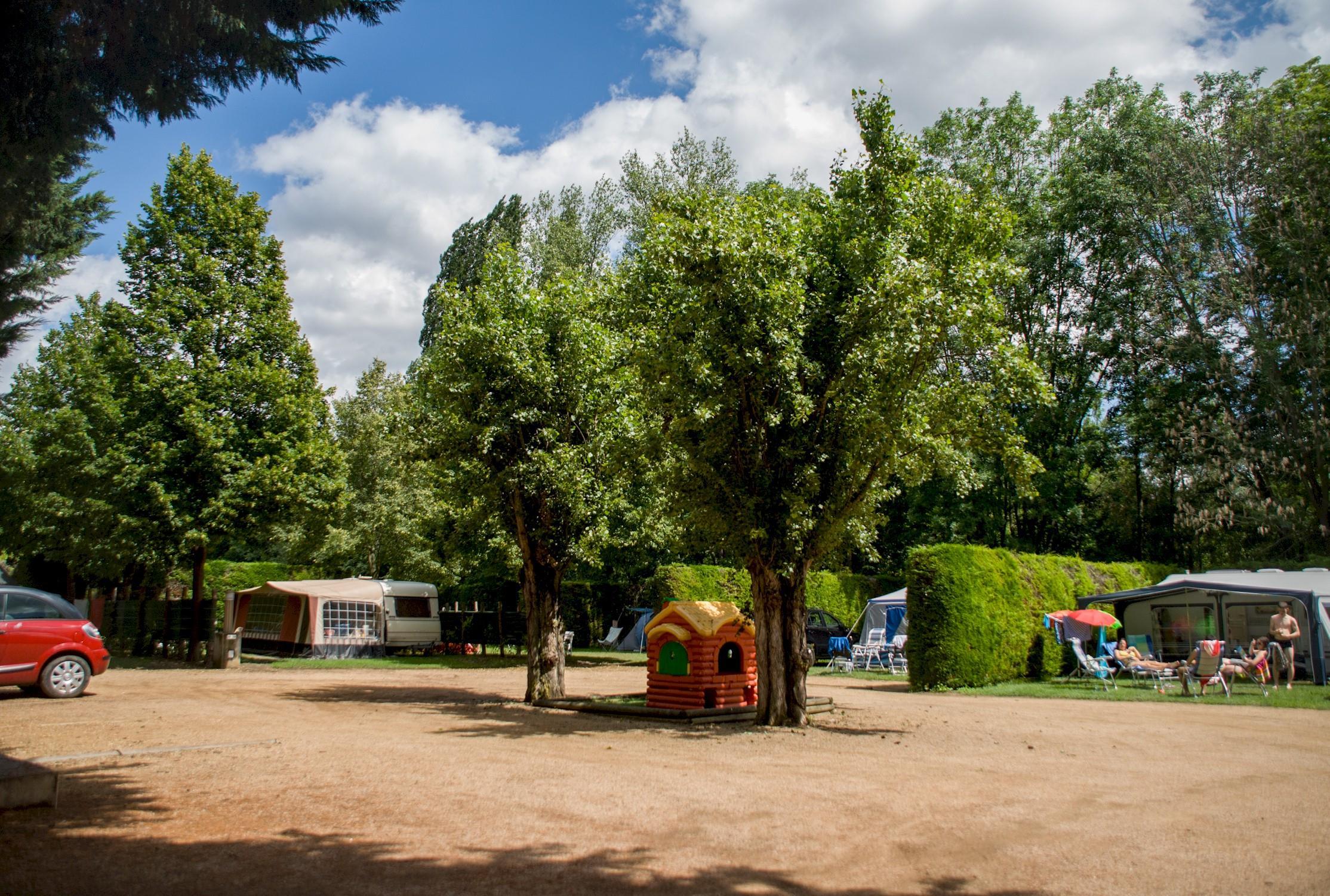 Camping le Clos Auroy, Orcet, Puy-de-Dôme