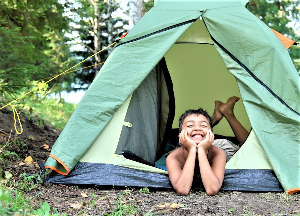 Emplacement - Forfait Nature : 2 Personnes Avec 1 Tente Et 1 Véhicule - - Flower Camping Le Belvédère