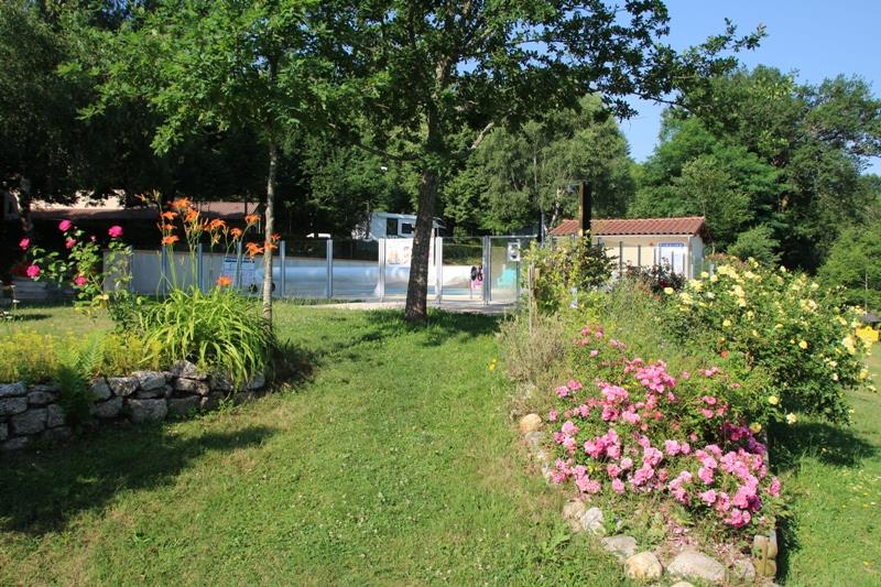 Camping le Viaduc, Pers, Cantal
