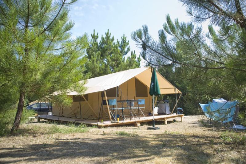 Location - Tente Toile & Bois Classic Iv - Huttopia Oléron Les Pins