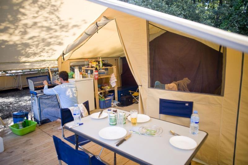 Location - Tente Toile Et Bois Classic V - Huttopia Oléron Les Pins