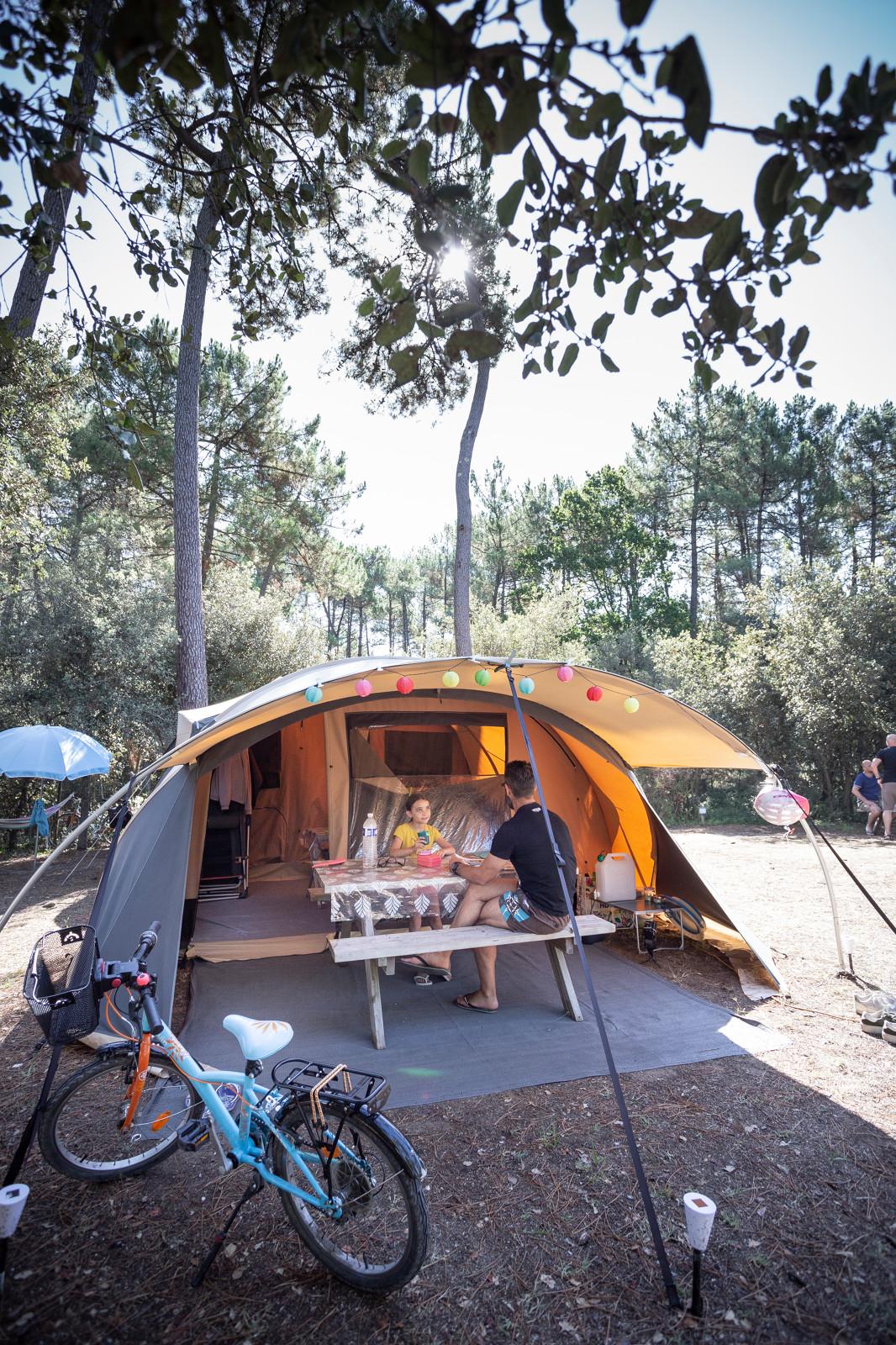 Camping Huttopia Oléron les Pins, Saint-Trojan-les-Bains, Charente-Maritime