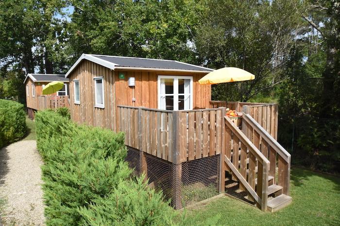 Location - Cabane Bois Sur Pilotis 21M² (2 Chambres) Avec Wc Sans Salle D'eau - Camping Bimbo