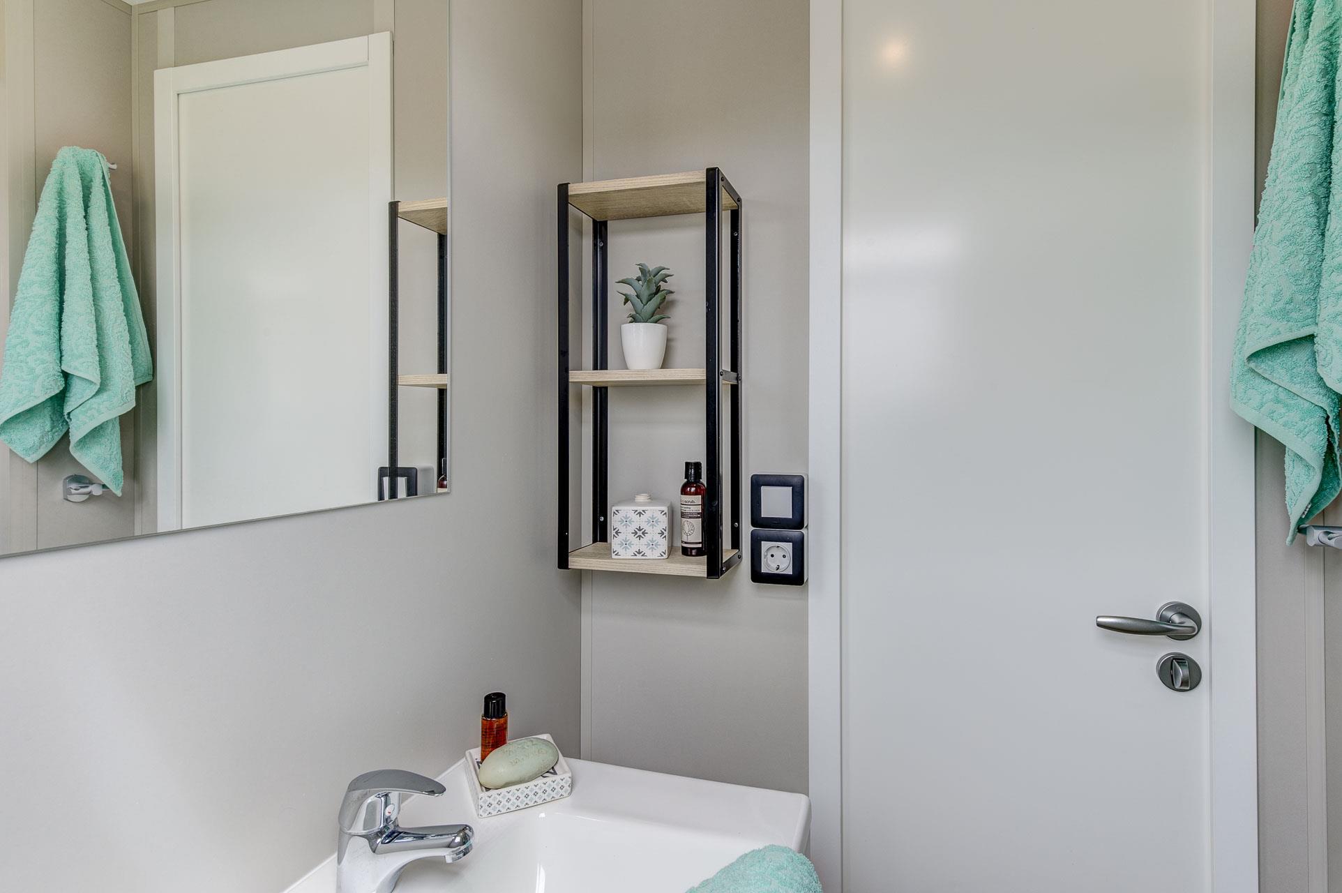 Location - Confort+ Glénan 3 Chambres 32M² - Camping Le Cabellou Plage