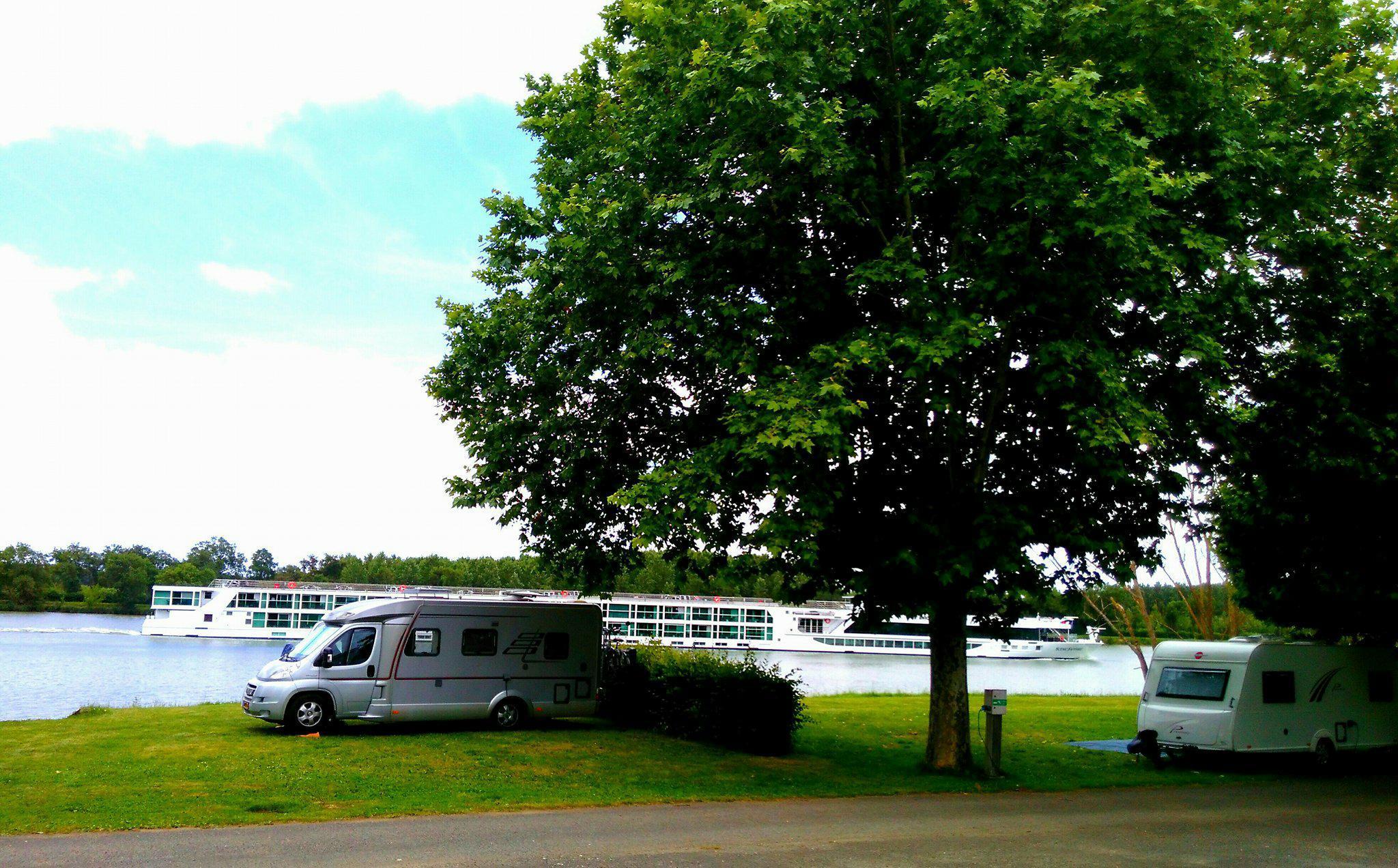 Camping Municipal du Port d'Arciat, Creches-sur-Saone, Saône-et-Loire
