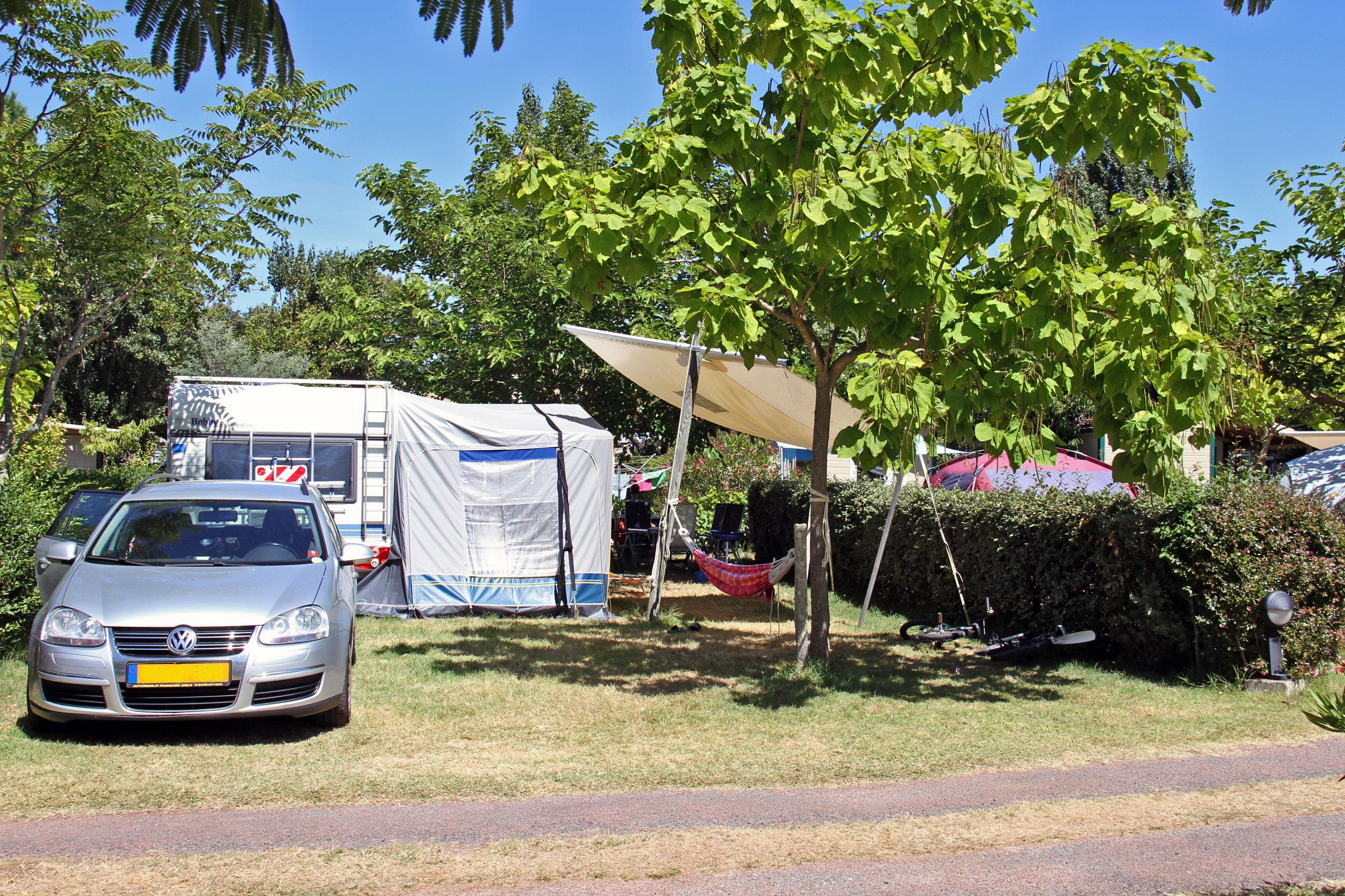 Emplacement - Emplacement Camping 'Espace-Nature' - Camping La Brande