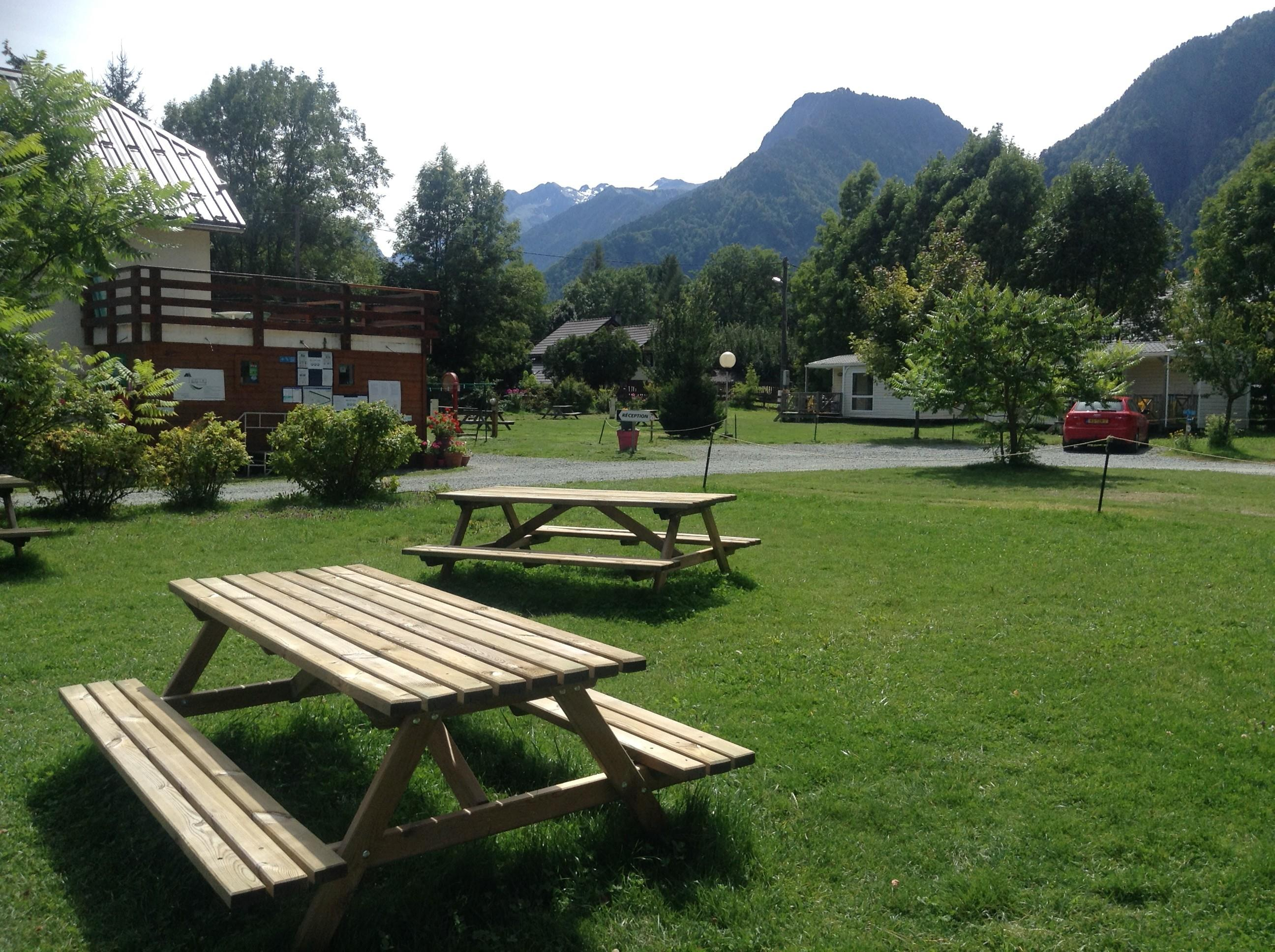 Establishment Camping La Ferme Noémie - Bourg D'oisans