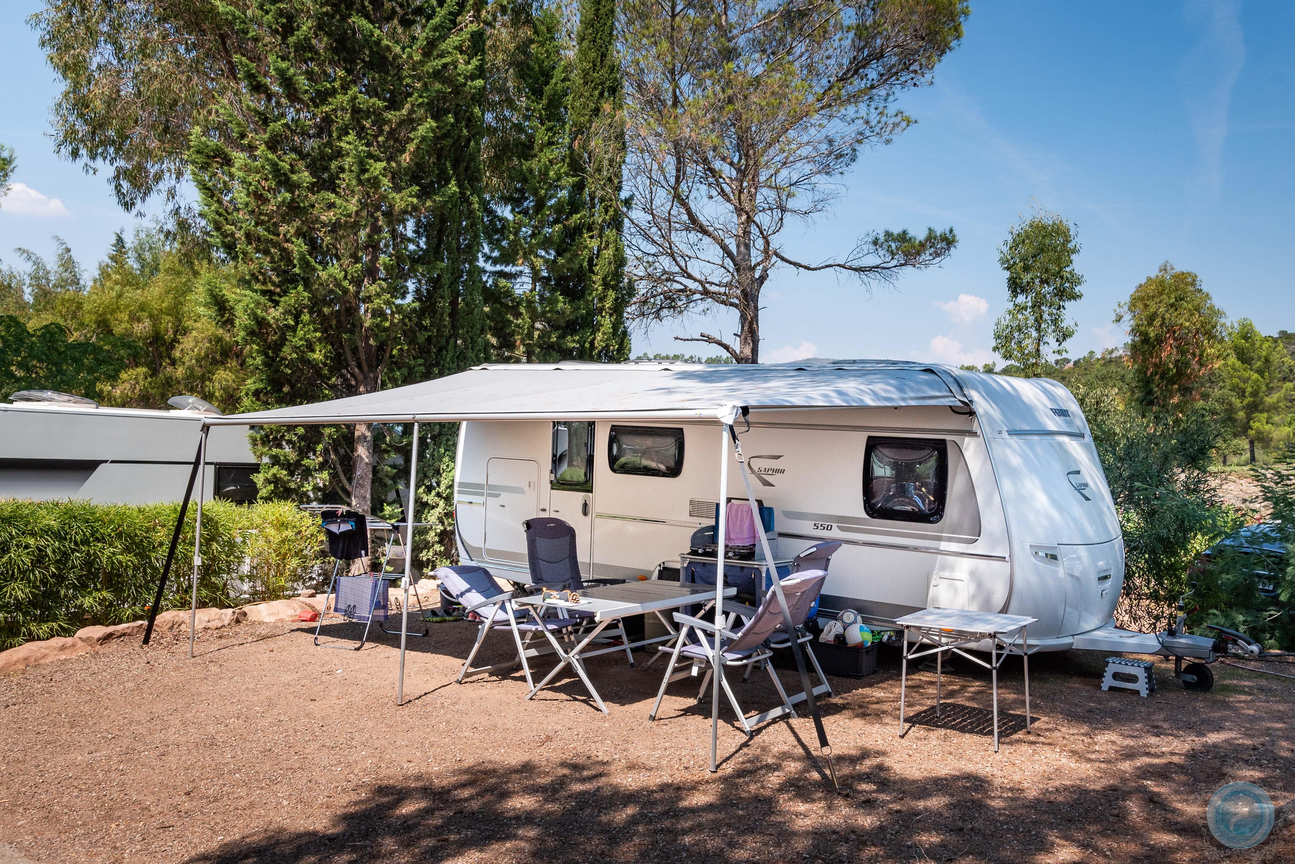 Emplacement - Emplacement 'Standard' (Caravane / Campingcar, Attention: Pas De Tente) - Esterel Caravaning